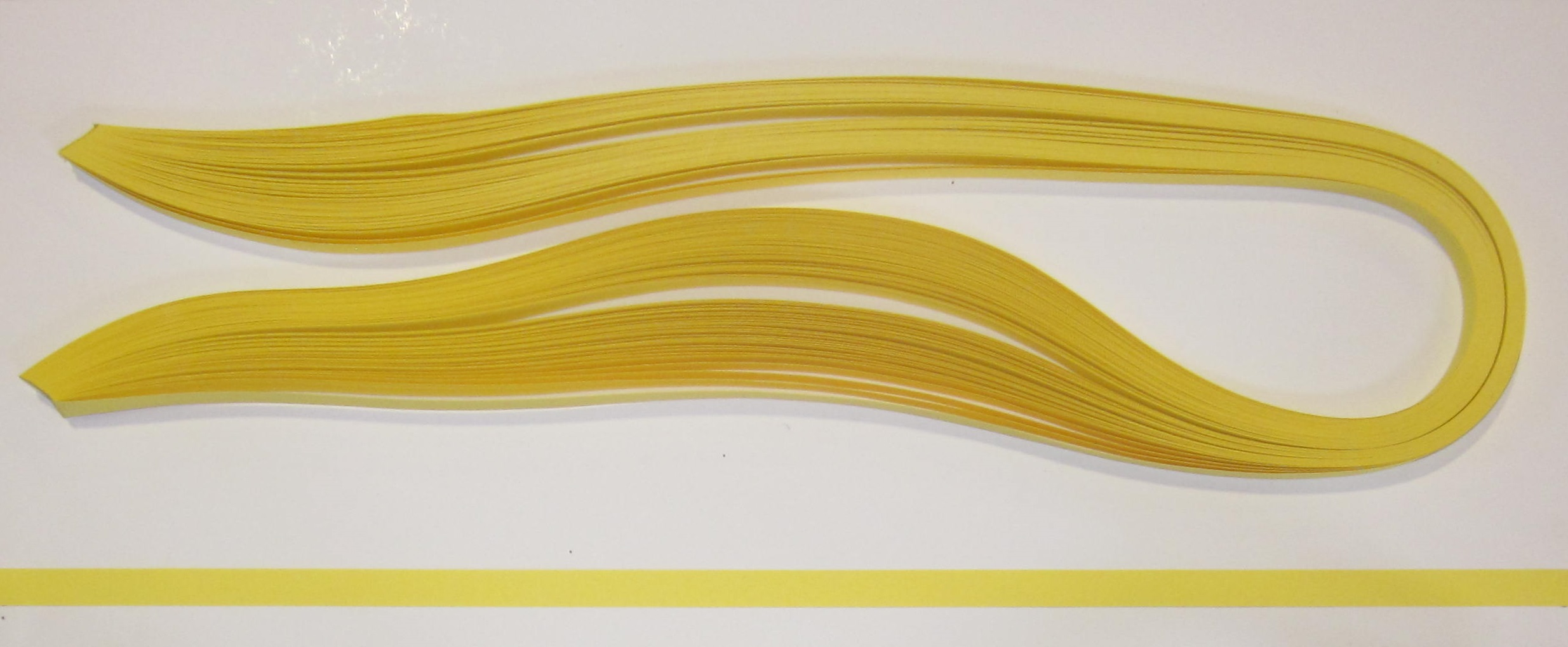 PAPEL QUILLING 315, 6MM. AMARILLO ORO